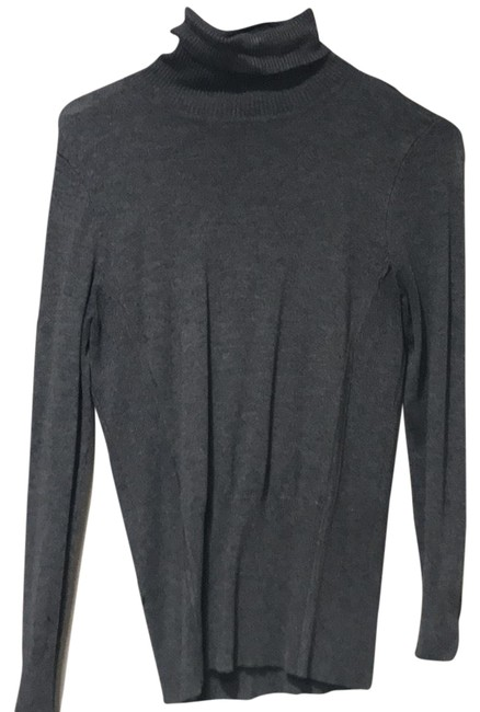 Preload https://img-static.tradesy.com/item/22820674/cache-grey-fitted-turtleneck-sweaterpullover-size-8-m-0-2-650-650.jpg