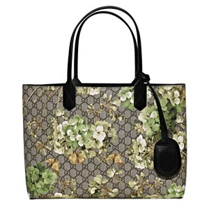 ca08657aabed Gucci Reversible Large Green Gg Blooms Canvas Tote - Tradesy
