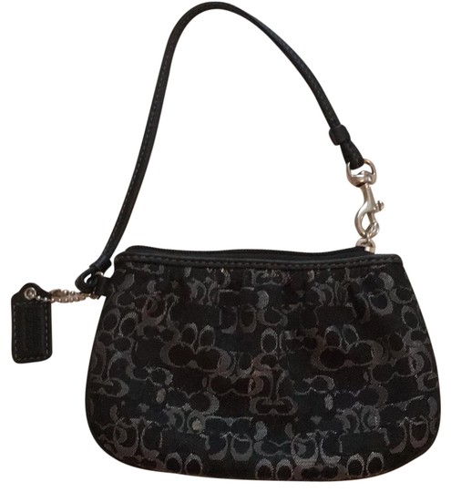 Preload https://img-static.tradesy.com/item/22821395/coach-kristen-black-wristlet-0-1-540-540.jpg