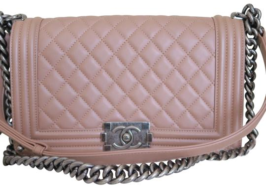 Preload https://img-static.tradesy.com/item/22822082/chanel-boy-pink-calfskin-leather-cross-body-bag-0-1-540-540.jpg