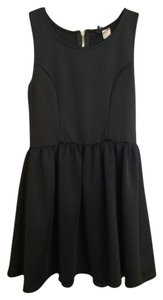 H&M Lbd Short Short Short Casual Flattering H & M Dress