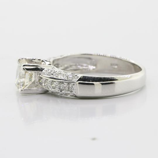 White Gold 1.02 Cts Round Cut Set In 14k Engagement Ring Image 2