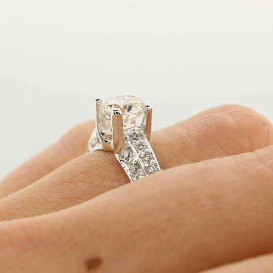 White Gold 1.02 Cts Round Cut Set In 14k Engagement Ring Image 3