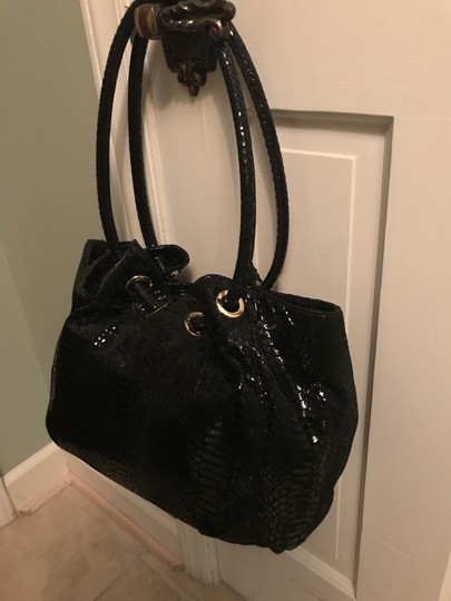 Michael Kors Ring Leather Navy Color Leather Tote in Black Image 1
