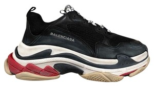 Balenciaga Triple Sneaker Trainer Leather Distressed black Athletic