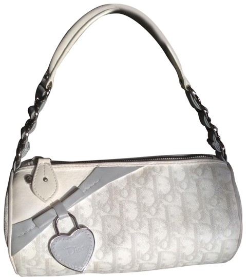 Preload https://item4.tradesy.com/images/dior-trotter-romantique-shoulder-white-and-grey-monogram-canvas-leather-handle-trim-baguette-22823858-0-2.jpg?width=440&height=440