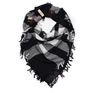 Burberry check wool scarf