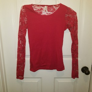 Color Story Top Red