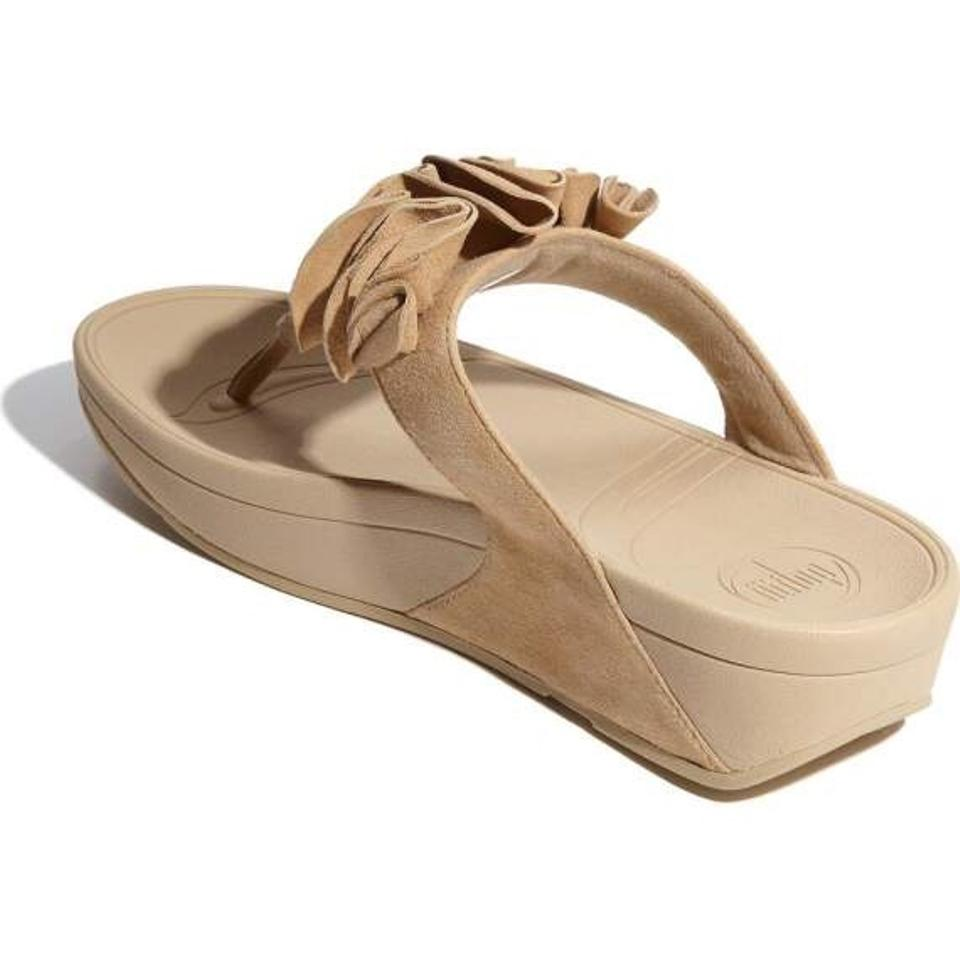 33050bea102 FitFlop Ruffle Suede Maple Sugar beige Sandals Image 9. 12345678910