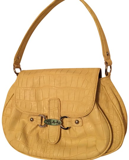 Preload https://img-static.tradesy.com/item/22829559/kate-landry-butter-yellow-faux-leather-shoulder-bag-0-1-540-540.jpg