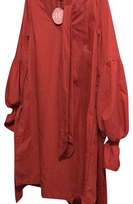 Red Mid-length Short Casual Dress Size 12 (L) Red Mid-length Short Casual Dress Size 12 (L) Image 1