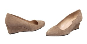 Tod's Taupe Wedges