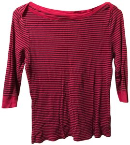 Old Navy T Shirt pink and black