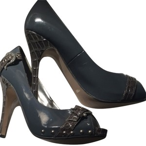 Dollhouse Gray Pumps
