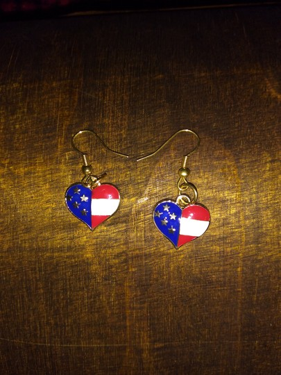 unknown Stainless Steel USA Patriotic Heart Shaped Dangle or Drop Earrings Image 2