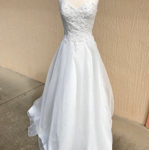 Justin Alexander Ivory Lace and Organza Sweetheart By 6188 Traditional Wedding Dress Size 14 (L)