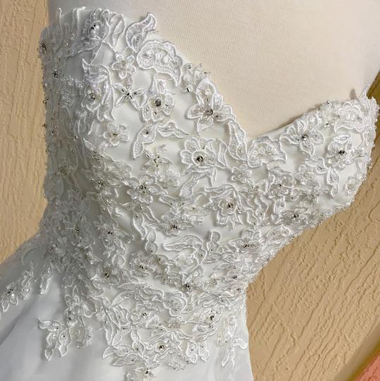 Justin Alexander Ivory Lace and Organza Sweetheart By 6188 Traditional Wedding Dress Size 14 (L) Image 3