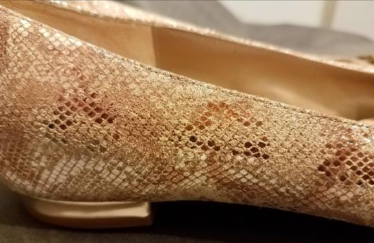 Anyi Lu Stylish Made In Italy Gold and ecru Flats Image 4