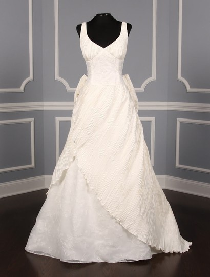 Preload https://img-static.tradesy.com/item/22833139/st-pucchi-ivory-silk-shantung-and-embroidered-silk-organza-versailles-z110-formal-wedding-dress-size-0-0-540-540.jpg