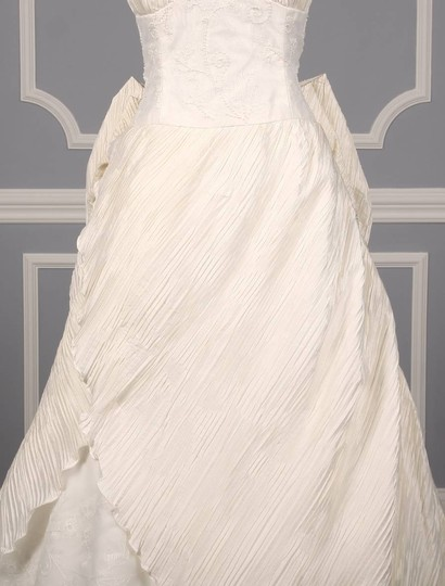 St. Pucchi Ivory Silk Shantung and Embroidered Silk Organza Versailles Z110 Formal Wedding Dress Size 10 (M) Image 2