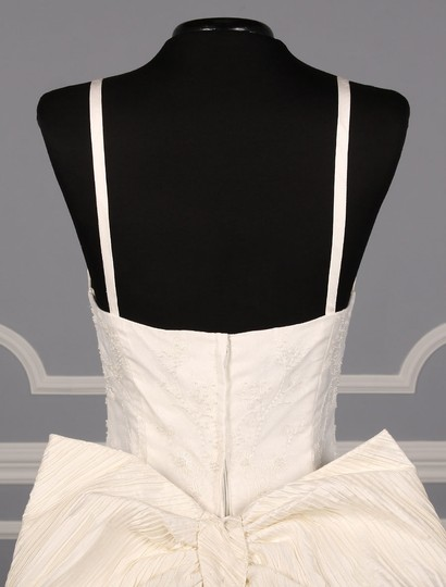 St. Pucchi Ivory Silk Shantung and Embroidered Silk Organza Versailles Z110 Formal Wedding Dress Size 10 (M) Image 7