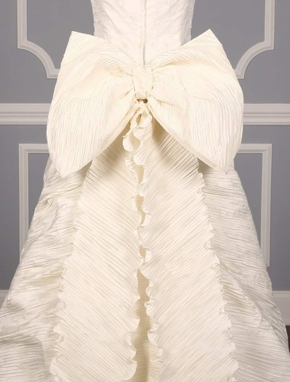 St. Pucchi Ivory Silk Shantung and Embroidered Silk Organza Versailles Z110 Formal Wedding Dress Size 10 (M) Image 8