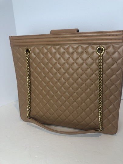 Chanel Shoulder Bag Image 10