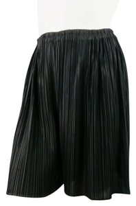 Issey Miyake Micro Pleat Pleated Textured Shorts Black