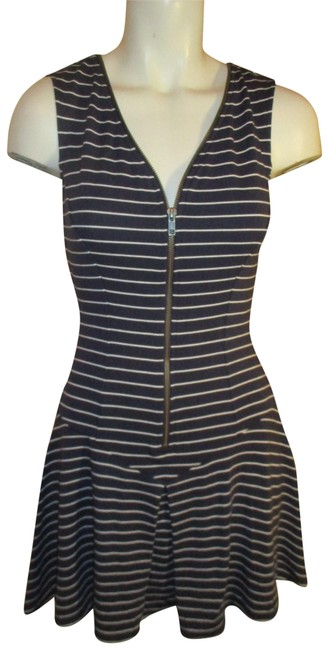 Preload https://img-static.tradesy.com/item/22835788/theory-navy-and-white-knit-stripped-short-casual-dress-size-0-xs-0-1-650-650.jpg