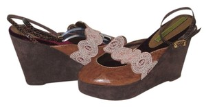 Cydney Mandel Handmade Embroidery Leather Brown Wedges