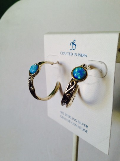 JS Collections NWOT Opal Cabochon In Sterling Silver Hoop Earrings