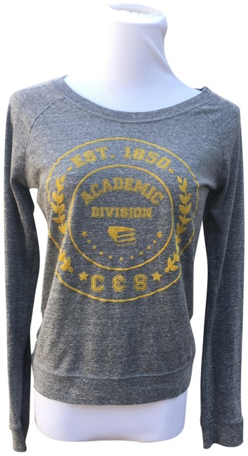 Preload https://img-static.tradesy.com/item/22838273/c-and-s-academic-gray-sweater-0-2-650-650.jpg