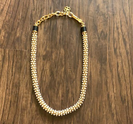 Ann Taylor Ann Taylor pearlized wrap necklace Image 3