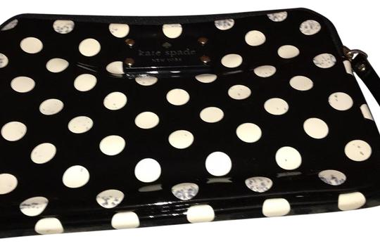 Preload https://img-static.tradesy.com/item/22839086/kate-spade-black-and-white-dots-with-red-interior-ipad-mini-case-tech-accessory-0-1-540-540.jpg