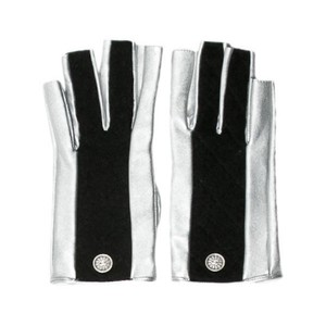 Chanel CC Gloves