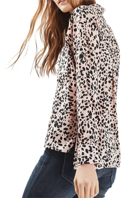 Preload https://item4.tradesy.com/images/topshop-tan-and-black-sheer-leopard-button-down-top-size-4-s-22844213-0-1.jpg?width=400&height=650