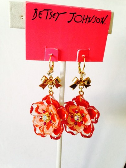 Betsey Johnson Betsey Johnson 4 Strand Red/Pink Lucite Double Flower Necklace Only! Matching Earring Sold Seperately.