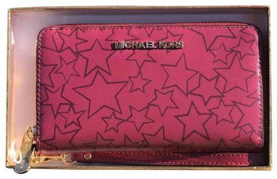 Preload https://img-static.tradesy.com/item/22845092/michael-kors-giftable-jet-set-flat-multifunction-phone-case-wallet-mulberry-plum-pvc-with-leather-tr-0-1-540-540.jpg