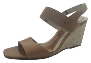 Aquatalia by Marvin K. beige & brown Wedges