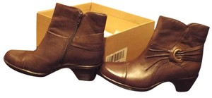 Clarks Price Reduced BROWN Boots