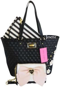 Betsey Johnson Pouch Crossbody Wallet Tote in black