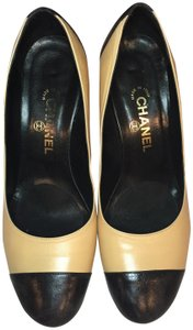 Chanel Vintage Heel Tan Beige, black Pumps