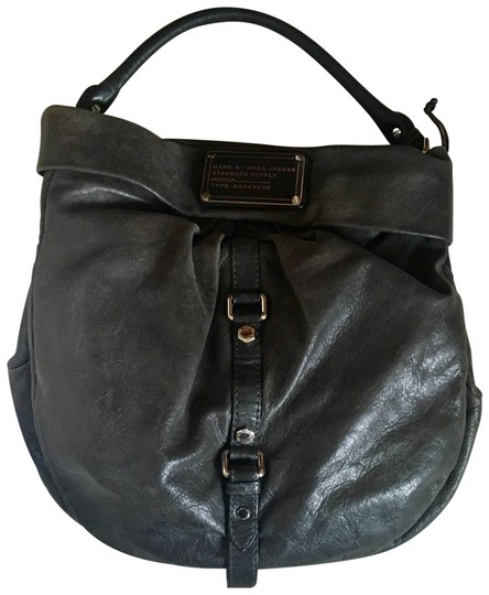 Preload https://img-static.tradesy.com/item/22850663/marc-by-marc-jacobs-lil-riz-distressed-shoulder-grey-leather-hobo-bag-0-1-540-540.jpg