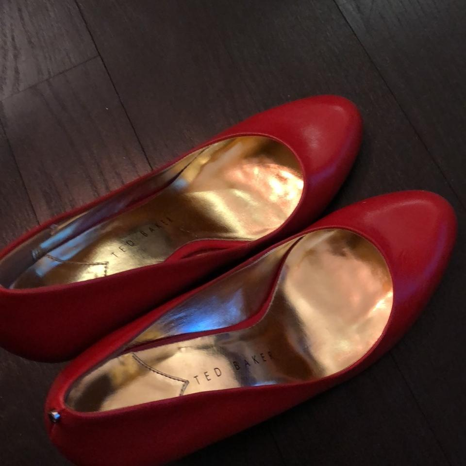 7f32ec99089 Ted Baker Red New Round Toe Gold Bottoms Pumps Size US 8.5 Regular (M, B)
