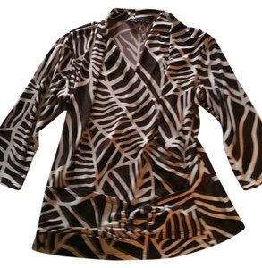 La Voca Top Brown/ White Graphic Animal Body Hugging Blouse