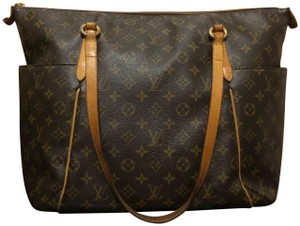 Louis Vuitton Tote in Leather