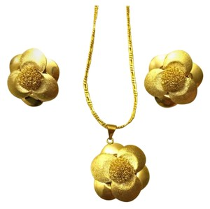 Other Italian Design Flower Pendant & Earrings Set