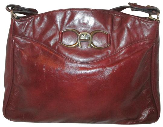 Preload https://img-static.tradesy.com/item/22854420/etienne-aigner-vintage-burgundy-leather-shoulder-bag-0-2-540-540.jpg