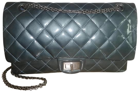 Preload https://item5.tradesy.com/images/chanel-255-reissue-classic-flap-227-jumbo-classic-double-very-gray-patent-leather-shoulder-bag-22854494-0-2.jpg?width=440&height=440