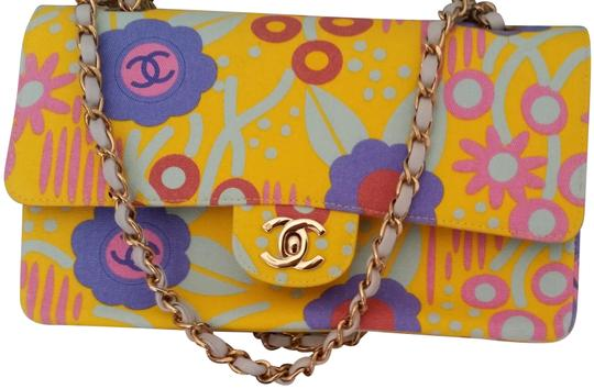 Preload https://img-static.tradesy.com/item/22854559/chanel-vintage-floral-yellow-multicolor-canvas-shoulder-bag-0-1-540-540.jpg